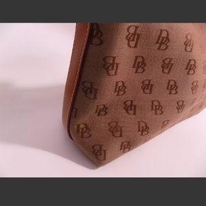 Dooney & Bourke Bags - NWOT Dooney & Bourke Brown Signature Canvas